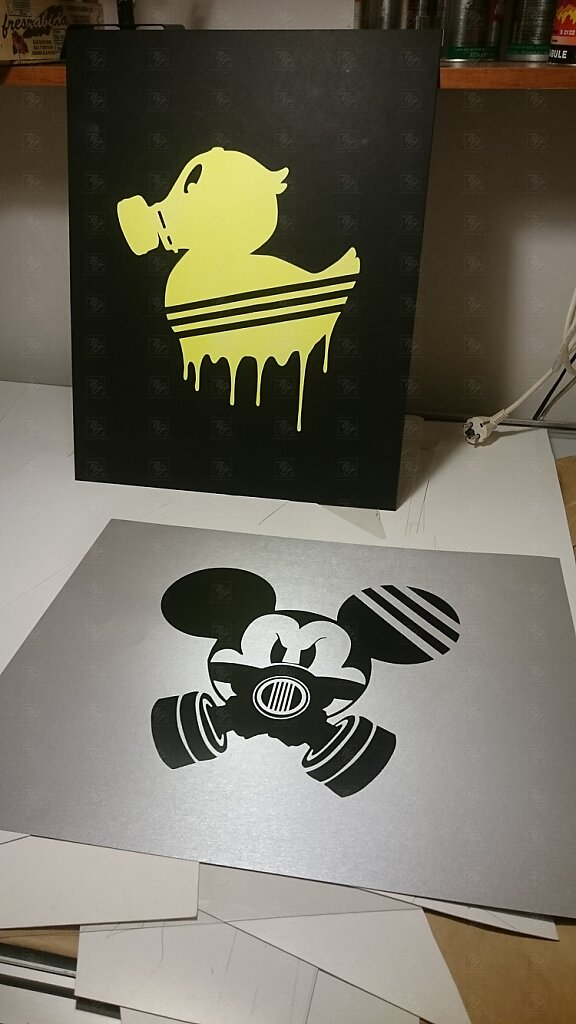 Graffiti Mouse & Duck in the mask